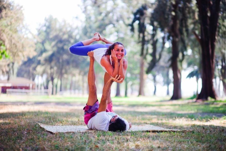 Acroyoga Rasa Lila Yoga