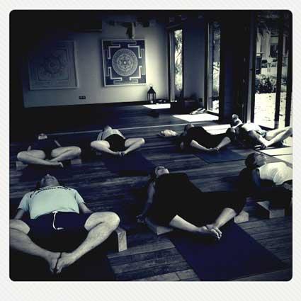 Clases de yoga terapéutico online y presenciales
