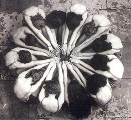 Círculos de mujeres con rasa lila yoga